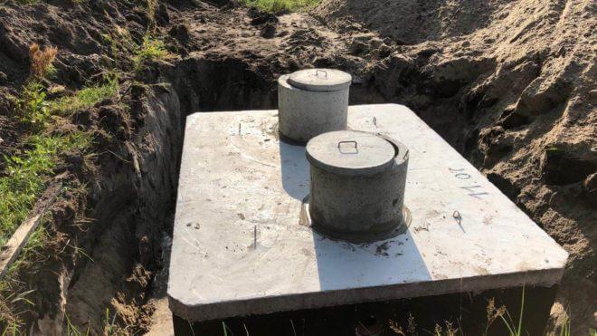 szamba betonowe dwukomorowe włazy przybliżenie
